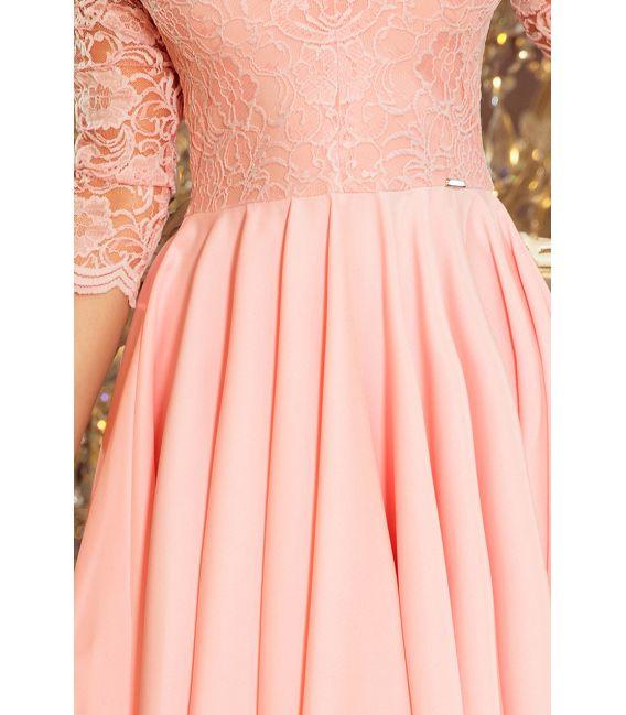 210-7 NICOLLE - sukienka z dłuższym tyłem z koronkowym dekoltem - PASTELOWY RÓŻ