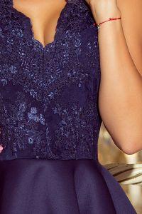 207-2 ALEXIS - ekskluzywna sukienka z koronkowym dekoltem i pianką - GRANATOWA