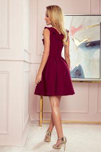 307-3 POLA sukienka z falbankami na dekolcie - BORDOWA