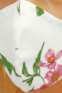 CV012 Maseczki wielorazowe - Biała w polne kwiaty - bawełna 100% - 2 szt