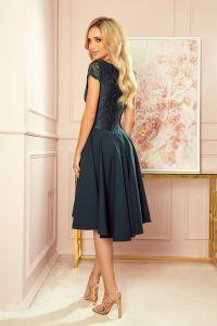 300-5 PATRICIA - sukienka z dłuższym tyłem i koronkowym dekoltem - ZIELEŃ BUTELKOWA