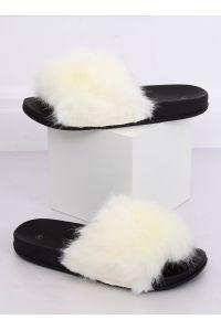 Klapki z futerkiem białe CK107P WHITE