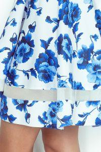 MM 003-3 Sukienka midi z tiulowymi pasami - biała w niebieskie kwiatki