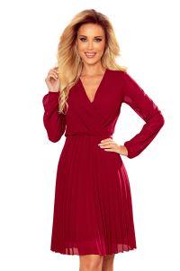 313-8 ISABELLE Plisowana sukienka z dekoltem i długim rękawkiem - BORDOWA