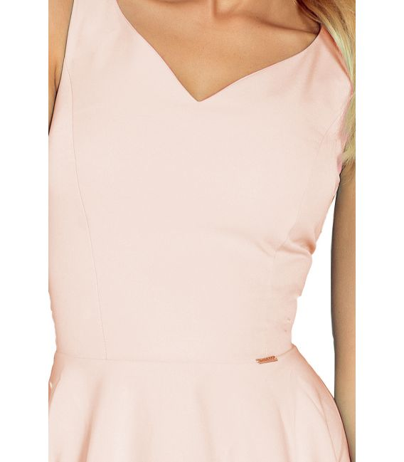 114-8 Sukienka z koła - dekolt w kształcie serca - bardzo JASNY RÓŻ